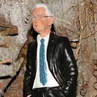 Foto Nicoloro G. 24/12/2011 Napoli E' tradizione che gli artigiani presepiali della storica Via San Gregorio Armeno creino non solo pastori e presepi ma volgano anche l' attenzione ai personaggi della cronaca per poi farne statuine. nella foto la statuina di Mario Monti