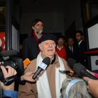 Foto Nicoloro G. 30/05/2013 Milano E' stata allestita nel Piccolo Teatro di via Rovello la camera ardente per Franca Rame, l' attrice si è spenta a 84 anni nella sua casa di Porta Romana a Milano. nella foto Dario Fo – Jacopo Fo