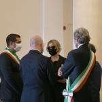 07/08/2020  Rimini   Allestita la camera ardente per Sergio Zavoli all' interno del teatro Galli. nella foto la vedova Alessandra Chello parla con Stefano Bonaccini, Andrea Gnassi e Michele de Pascale.