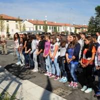 Foto Nicoloro G. 01/10/2012 Conselice ( Ravenna ) Celebrazioni per il sesto anniversario del Monumento alla Stampa Clandestina e alla Libertà di Stampa, secondo in Europa con l' altro che si trova nella città di Almeria in Spagna. nella foto Un coro di studenti