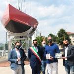 Foto Nicoloro G.   15/05/2021   Ravenna   Celebrazioni per il Moro di Venezia, a 30 anni dal varo, avvenuto il 15/04/1991 e della vittoria del Mondiale IACC. nella foto la consegna a Paul Cayard di due mosaici a ricordo della manifestazione.