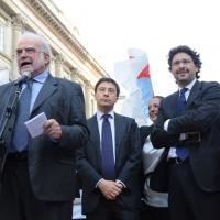 Foto Nicoloro G. 13/05/2011 Milano Chiusura della campagna elettorale del Terzo Polo per le elezioni amministrative 2011. nella foto Savino Pezzotta – Italo Bocchino – Manfredi Palmeri