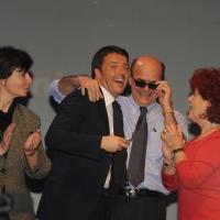 Foto Nicoloro G. 01/02/2013 Firenze Evento di grande importanza, forse unico, che vede insieme in questa campagna elettorale il sindaco di Firenze e il segretario generale del PD. nella foto Matteo Renzi – Pierluigi Bersani e sostenitori