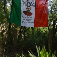 Foto Nicoloro G.  02/06/2014  Ravenna    Nella giornata della Festa della Repubblica si è svolta la commemorazione dell' anniversario della morte di Giuseppe Garibaldi, avvenuta a Caprera proprio il 2 giugno 1882. nella foto la bandiera dell' A.N.V.R.G., associazione nazionale veterani e reduci Garibaldini.