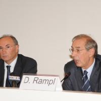 Foto Nicoloro G. Milano 01/10/2010 Conferenza stampa di presentazione del nuovo amministratore delegato di Unicredit. nella foto Federico Ghizzoni – Dieter Rampl