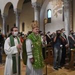 Foto Nicoloro G.   12/09/2021   Ravenna   Questa giornata segna il culmine delle celebrazioni dei 700 anni dalla morte di Dante. nella foto il cardinale Gianfranco Ravasi fa il suo ingresso nella Basilica di San Francesco dove officiera' la Santa Messa.