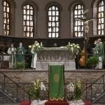 Foto Nicoloro G.   12/09/2021   Ravenna   Questa giornata segna il culmine delle celebrazioni dei 700 anni dalla morte di Dante. nella foto l' interno della basilica di San Francesco.