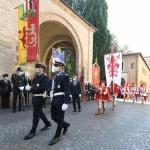 Foto Nicoloro G.   12/09/2021   Ravenna   Questa giornata segna il culmine delle celebrazioni dei 700 anni dalla morte di Dante. nella foto i gonfaloni di Ravenna, in primo piano, e di Firenze portati in corteo presso la tomba di Dante.