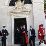 Foto Nicoloro G.   12/09/2021   Ravenna   Questa giornata segna il culmine delle celebrazioni dei 700 anni dalla morte di Dante. nella foto il cardinale Gianfranco Ravasi esce dalla tomba di Dante dopo la cerimonia dell' offerta dell' olio.