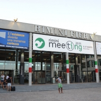 """Foto Nicoloro G. 21/08/2011 Rimini Edizione 2011 del Meeting di Rimini che ha per titolo """" E l' esistenza diventa una immensa certezza """".  nella foto Ingresso della Fiera di Rimini"""