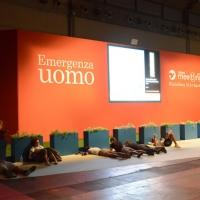"""Foto Nicoloro G. 23/08/2013 Rimini, Sesta giornata della trentaquattresima edizione del """"Meeting di Rimini"""" che quest'anno ha per tema """"Emergenza uomo"""". nella foto Volontari si riposano"""