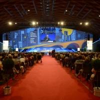 Foto Nicoloro G.  24/08/2014  Rimini   XXXV edizione del Meeting per l' amicizia fra i popoli. nella foto il salone gremito durante il dibattito con padre Pierbattista Pizzaballa, custode di Terrasanta.