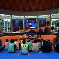 Foto Nicoloro G.  24/08/2014  Rimini   XXXV edizione del Meeting per l' amicizia fra i popoli. nella foto nell' atrio è possibile seguire i lavori in diretta video.