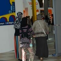Foto Nicoloro G.   29/08/2014  Rimini      Sesta giornata della XXXV edizione del Meeting per l' amicizia fra i popoli. nella foto alcune donne arabe in visita al Meeting.