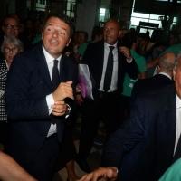 Foto Nicoloro G.   25/08/2015    Rimini    Sesta giornata dell' edizione 2015 del Meeting di C.L. dal titolo ' Di che è mancanza questa mancanza, cuore, che a un tratto ne sei pieno ? '. nella foto il premier Matteo Renzi al suo arrivo al Meeting.