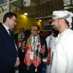 Foto Nicoloro G.   27/03/2019   Ravenna   XIV edizione dell' OMC - Offshore Mediterranean Conference -. nella foto il sottosegretario Giancarlo Giorgetti si intrattiene allo stand dell' Oman.