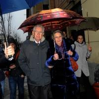 Foto Nicoloro G. 24/02/2013 Milano Elezioni politiche del 24 e 25 febbraio 2013. Il presidente del Consiglio Mario Monti vota nella scuola di Piazza Sicilia. nella foto Mario Monti e la moglie Elsa