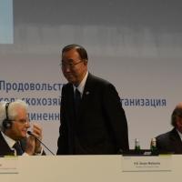 Foto Nicoloro G.   16/10/2015    Milano  In occasione della Giornata Mondiale dell' Alimentazione si e' svolto in Expo un incontro al quale hanno preso parte il Capo di Stato e il segretario generale delle Nazioni Unite. nella foto da sinistra Sergio Mattarella, Ban Ki-moon e Jose' G. Da Silva