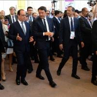 Foto Nicoloro G.  21/06/2015  Milano  Visita all' Expo del presidente della Repubblica francese. nella foto da sinistra il presidente Francois Hollande, il premier Matteo Renzi e il commissario unico di Expo 2015 Giuseppe Sala.