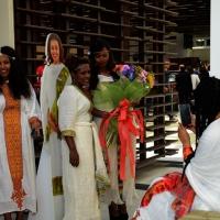 Foto Nicoloro G.   05/05/2015    Milano   Expo Milano 2015 si apre al mondo e si mette in mostra. nella foto un scatto di  ricordo per le hostess del padiglione dell' Etiopia.