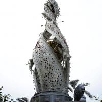 Foto Nicoloro G.   05/05/2015    Milano   Expo Milano 2015 si apre al mondo e si mette in mostra. nella foto la Macchina di Santa Rosa, una torre illuminata portata in processione a Viterbo.