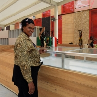 Foto Nicoloro G.   05/05/2015    Milano   Expo Milano 2015 si apre al mondo e si mette in mostra. nella foto addetta del padiglione della Tanzania.