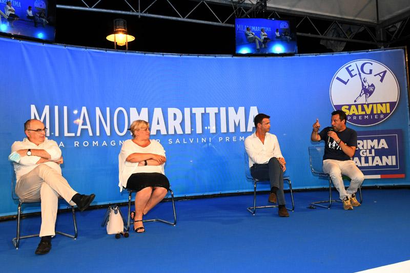 Foto Nicoloro G.   01/08/2020    Cervia ( RA ) Seconda serata della Festa della Lega Romagna che ha visto la presenza del leader del Carroccio. nella foto da sinistra Maurizio Gardini, presidente Confcoperative, Donatella Prampolini, vice presidente Confcommercio, Ettore Prandini, presidente Coldiretti, e Matteo Salvini.