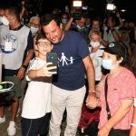 Foto Nicoloro G.   01/08/2020    Cervia ( RA ) Seconda serata della Festa della Lega Romagna che ha visto la presenza del leader del Carroccio. nella foto Matteo Salvini in uno dei numerosi selfie.