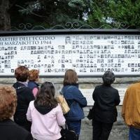 """Foto Nicoloro G. 25/04/2011 Marzabotto (BO) Per il 25 Aprile """" Festa della Liberazione """" cerimonia di commemorazione delle vittime della strage nazifascista di Marzabotto. nella foto Foto e nomi delle vittime dell'eccidio"""