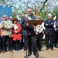 """Foto Nicoloro G. 25/04/2011 Marzabotto (BO) Per il 25 Aprile """" Festa della Liberazione """" cerimonia di commemorazione delle vittime della strage nazifascista di Marzabotto. nella foto Il discorso di Marco Mastacchi"""