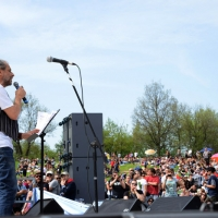 Foto Nicoloro G. 25/04/2013 Marzabotto ( Bologna ) Celebrazione della Festa della Liberazione in questo paese che durante la Seconda guerra mondiale subì una strage perpetrata dai nazisti. nella foto Alessandro Bergonzoni mentre parla dal palco di fronte ad una grande folla
