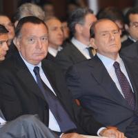 """Foto Nicoloro G.  12/07/2010  Milano  Prima giornata del """" Forum Economico e Finanziario per il Mediterraneo """". nella foto Paolo Bonaiuti – Silvio Berlusconi"""