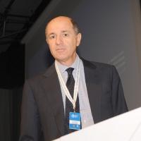 """Foto Nicoloro G. 13/07/2010 Milano, Seconda giornata del """" Forum Economico e Finanziario per il Mediterraneo """". nella foto Corrado Passera"""