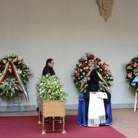 Foto Nicoloro G. 23/02/2016 Milano Cerimonia funebre laica in onore del semiologo e scrittore Umberto Eco. nella foto il feretro di Umberto Eco e dietro si vede il figlio Stefano.