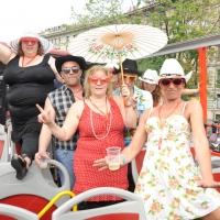 """Foto Nicoloro G.  12/06/2010 Milano  Manifestazione del """" gay-pride """" con corteo da piazza Castello a piazza Duomo. nella foto Alcuni partecipanti alla manifestazione"""