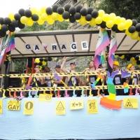 """Foto Nicoloro G.  12/06/2010 Milano  Manifestazione del """" gay-pride """" con corteo da piazza Castello a piazza Duomo. nella foto Un palco nell'ambito della manifestazione"""