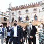 Foto Nicoloro G.   25/08/2021   Ravenna    Visita in citta' del presidente del M5S in vista delle amministrative di ottobre. nella foto il presidente del M5S in citta' per le amministrative di ottobre si e' concesso una passeggiata nel centro. Qui' e' davanti al palazzo Comunale.