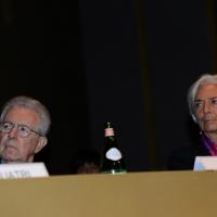 Foto Nicoloro G.  09/12/2014    Milano    Inaugurazione dell' Anno Accademico 2014-2015 dell' Università Bocconi. nella foto il  presidente Bocconi Mario Monti e il direttore generale del FMI