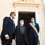 15/05/2021   Ravenna  Inaugurazione del Museo Dante alla presenza del ministro dell' Istruzione. nella foto il ministro Patrizio Bianchi davanti alla tomba di Dante con il sindaco Michele de Pascale.