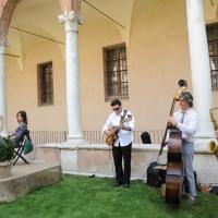 """Foto Nicoloro G. 05/06/2010 Cremona Primo Festival TRA Letteratura e Musica """" Le corde dell ' anima """" . nella foto Benedetta Cibrario – Il trio jazz Tartamella Bozza Bridge"""