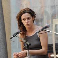 """Foto Nicoloro G. 05/06/2010 Cremona Primo Festival TRA Letteratura e Musica """" Le corde dell ' anima """" . nella foto Valeria Parrella"""