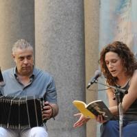 """Foto Nicoloro G. 05/06/2010 Cremona Primo Festival TRA Letteratura e Musica """" Le corde dell ' anima """" . nella foto Fabio Turchetti – Valeria Parrella"""