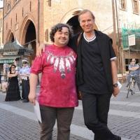 """Foto Nicoloro G.  04/06/2010  Cremona  Primo Festival TRA Letteratura e Musica """" Le corde dell ' anima """" . nella foto Luca Crovi – Bjorn Larsson"""