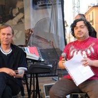 """Foto Nicoloro G.  04/06/2010  Cremona  Primo Festival TRA Letteratura e Musica """" Le corde dell ' anima """" . nella foto Bjorn Larsson – Luca Crovi"""