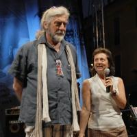 """Foto Nicoloro G. 04/06/2010  Cremona  Primo Festival TRA Letteratura e Musica """" Le corde dell ' anima """" . nella foto Shel Shapiro – Anna Folli"""