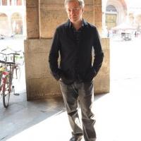 """Foto Nicoloro G.  06/06/2010  Cremona  Primo Festival TRA Letteratura e Musica """" Le corde dell ' anima """" . nella foto Max Casacci"""