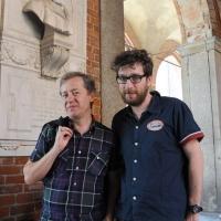 """Foto Nicoloro G.  06/06/2010  Cremona  Primo Festival TRA Letteratura e Musica """" Le corde dell ' anima """" . nella foto Max Casacci – Matteo Bordone"""