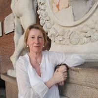 """Foto Nicoloro G.  06/06/2010  Cremona  Primo Festival TRA Letteratura e Musica """" Le corde dell ' anima """" . nella foto Valentina Fortichiari"""