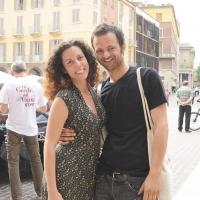 """Foto Nicoloro G.  06/06/2010  Cremona  Primo Festival TRA Letteratura e Musica """" Le corde dell ' anima """" . nella foto Silvia Avallone e il futuro marito Giovanni"""