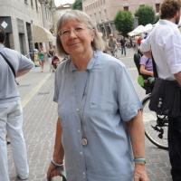 """Foto Nicoloro G.  06/06/2010  Cremona  Primo Festival TRA Letteratura e Musica """" Le corde dell ' anima """" . nella foto Vivian Lamarque"""